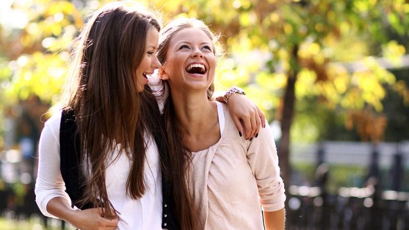 https: img-k.okeinfo.net content 2019 05 28 196 2061329 pakar-ungkap-perempuan-yang-belum-menikah-adalah-orang-paling-bahagia-xWaAbjLVv7.jpg