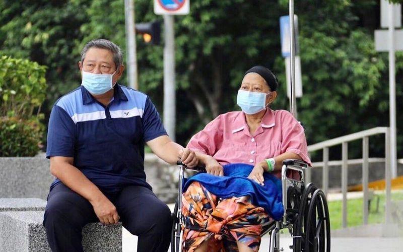 https: img-k.okeinfo.net content 2019 06 01 33 2062932 ditinggal-ani-yudhoyono-jane-shalimar-seperti-kehilangan-sosok-ibu-CinQw1YEjt.jpg