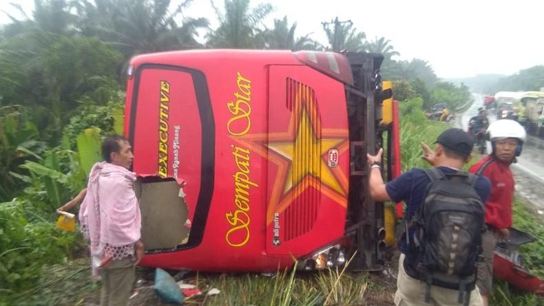 https: img-k.okeinfo.net content 2019 06 01 608 2062912 bus-sempati-star-kecelakaan-di-jalinsum-3-orang-tewas-dan-11-luka-luka-GdeGYRs92h.jpg