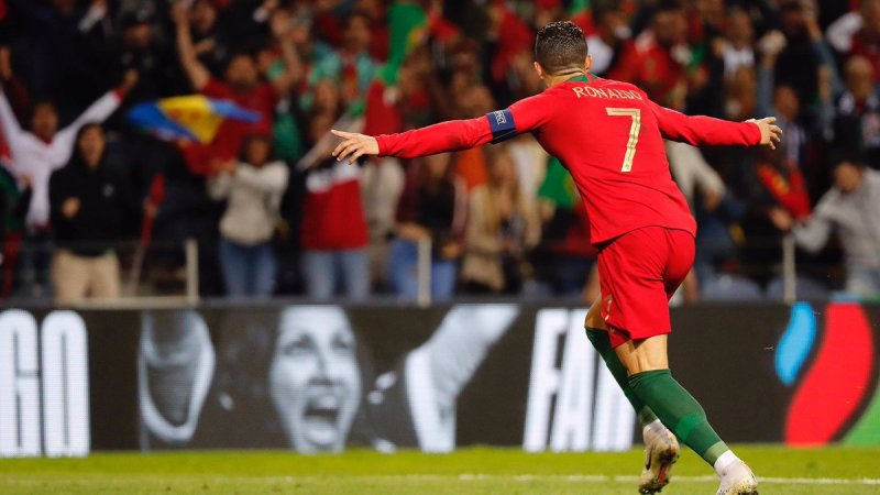 https: img-k.okeinfo.net content 2019 06 09 51 2064707 ronaldo-ungkap-kunci-sukses-bersama-timnas-portugal-di-uefa-nations-league-2018-2019-U61IRv2ryF.jpg