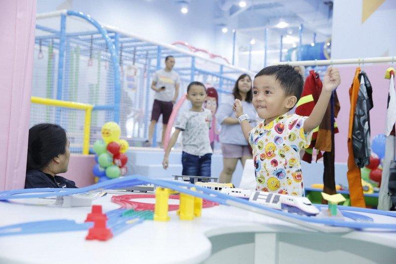 https: img-k.okeinfo.net content 2019 06 10 406 2065052 arena-permainan-ini-membantu-mengasah-motorik-halus-dan-perkembangan-anak-lunSCz0fUT.jpg