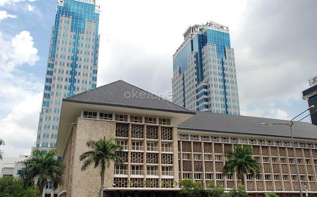 https: img-k.okeinfo.net content 2019 06 12 20 2065739 sri-mulyani-yakini-bi-akan-ubah-kebijakan-moneter-dan-bunga-acuan-tv0XXCHW5f.jpg