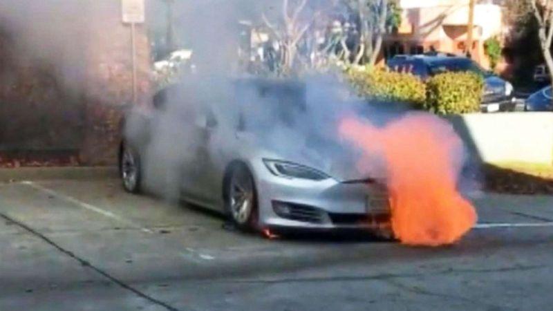 https: img-k.okeinfo.net content 2019 06 14 15 2066614 mobil-listrik-kembali-terbakar-saat-lakukan-pengisian-baterai-1V4rrPdqaB.jpg