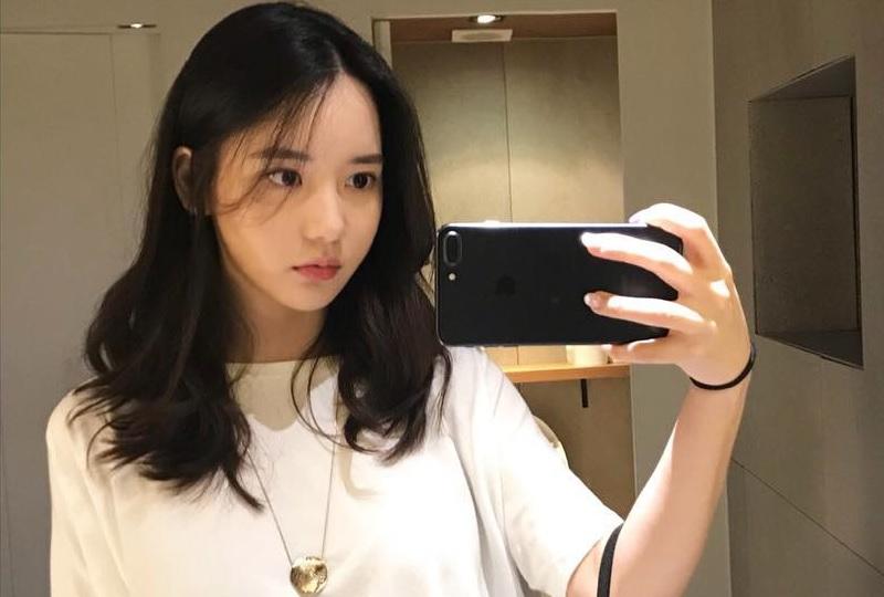 https: img-k.okeinfo.net content 2019 06 15 33 2066777 jadi-kurir-narkoba-intip-penampilan-seksi-han-seo-hee-F5LCEORtbL.jpg