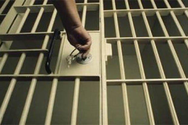 https: img-k.okeinfo.net content 2019 06 16 340 2067140 rusuh-di-rutan-lhoksukon-puluhan-napi-kabur-dari-tahanan-rtI6GCN6nf.jpg