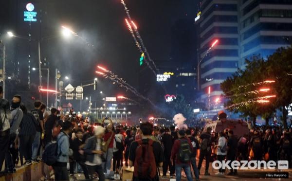 https: img-k.okeinfo.net content 2019 06 18 337 2067946 kepolisian-diminta-tindak-tegas-perusuh-dan-dalang-kerusuhan-21-22-mei-gonKwbXoMl.jpg