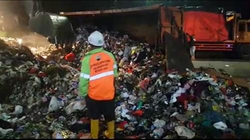 https: img-k.okeinfo.net content 2019 06 20 320 2068642 sampah-di-sungai-dan-laut-jadi-masalah-bertahun-tahun-apa-solusinya-qlPIu0eOI2.jpg