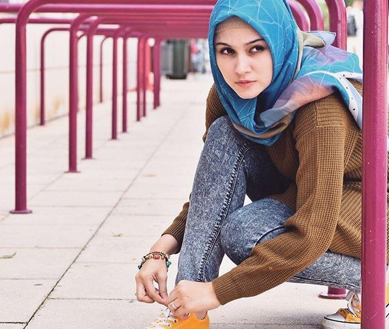 https: img-k.okeinfo.net content 2019 06 20 617 2068617 gaya-hijab-sporty-ala-zeezee-shahab-saat-olahraga-tetap-modis-D6DFWjZUF7.jpg
