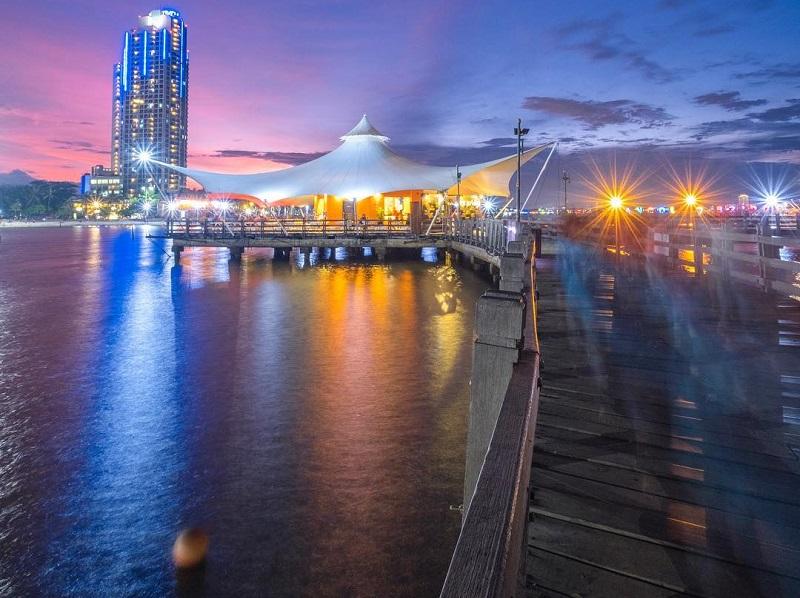 https: img-k.okeinfo.net content 2019 06 21 406 2069217 4-spot-wisata-malam-di-jakarta-yang-paling-asyik-untuk-nongkrong-BTU3QhnmLp.jpg