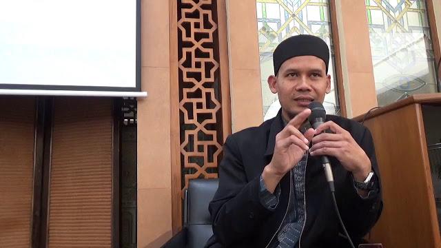 https: img-k.okeinfo.net content 2019 06 21 525 2069096 rahmat-baequni-ditangkap-polisi-terkait-hoax-kpps-meninggal-diracun-sBFAJ3Q5Fv.jpg