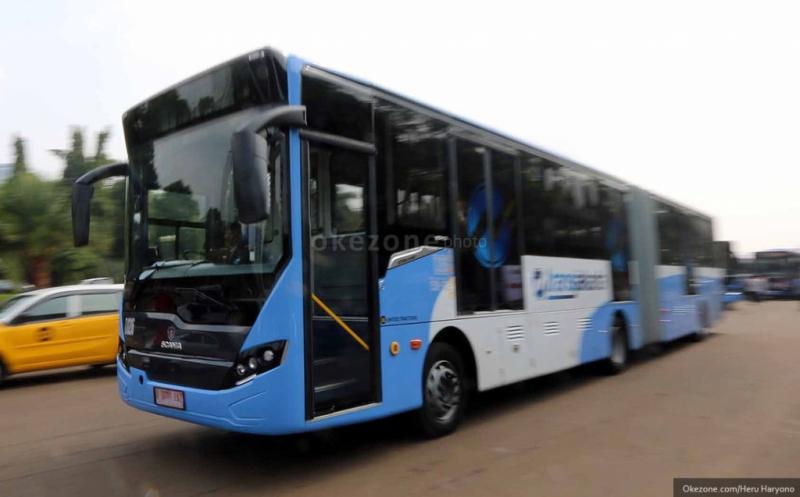https: img-k.okeinfo.net content 2019 06 22 338 2069570 hut-ke-492-dki-naik-bus-transjakarta-gratis-evoA8V8KFn.jpg
