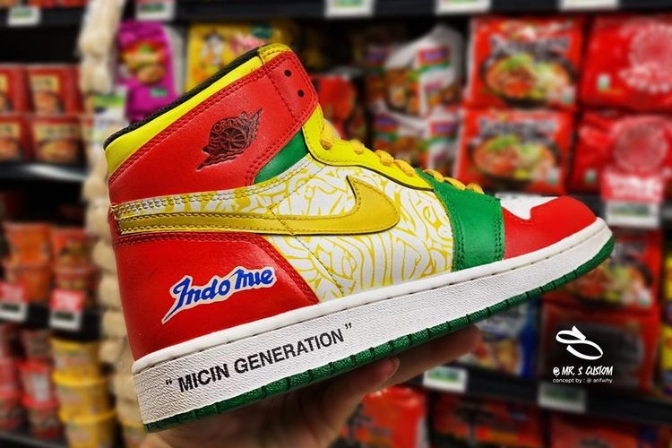 https: img-k.okeinfo.net content 2019 06 24 194 2070140 dibanderol-rp3-3-juta-sneakers-air-jordan-indomie-bakal-dipamerkan-di-indonesia-custom-con-aVgzq554Q6.jpg