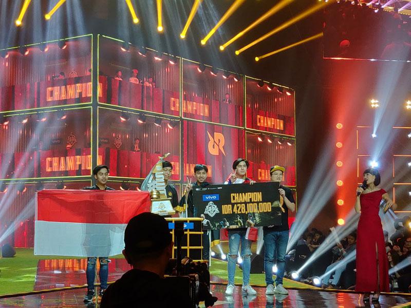 https: img-k.okeinfo.net content 2019 06 24 326 2070033 rrq-athena-tim-pub-mobile-asal-thailand-sandang-juara-pertama-pmco-sea-2019-fynO7kxc3p.jpg