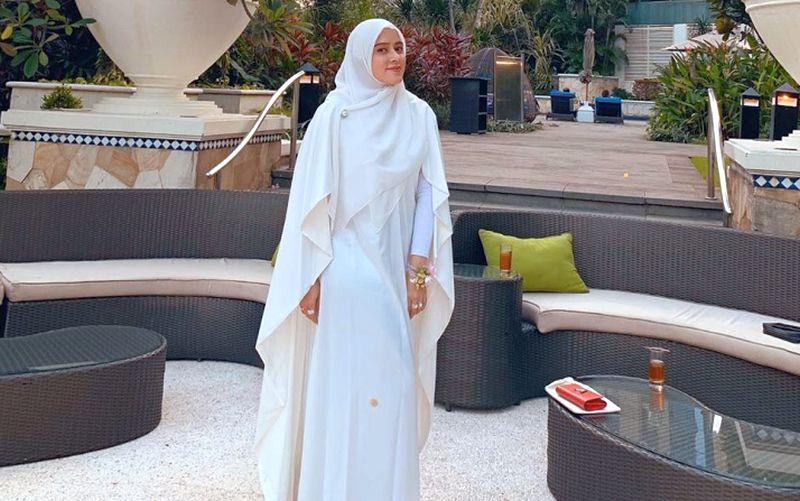 https: img-k.okeinfo.net content 2019 06 24 617 2070064 ootd-fairuz-a-rafiq-dengan-ragam-model-busana-muslim-fashionable-jLmGqPZAp5.jpg