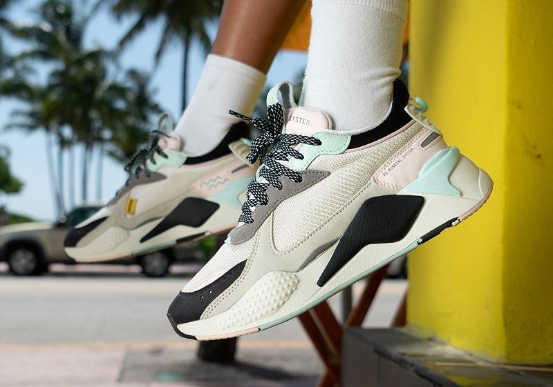 https: img-k.okeinfo.net content 2019 06 28 194 2072290 falling-coconuts-koleksi-sneakers-puma-terbaru-yang-terinspirasi-dari-pantai-kTWOO3ENjs.jpg