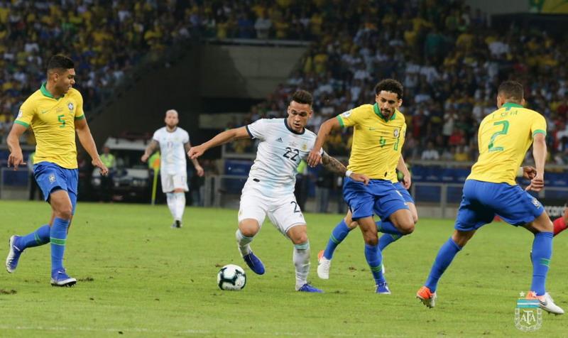 https: img-k.okeinfo.net content 2019 07 03 51 2073969 tekuk-argentina-2-0-brasil-melaju-ke-final-copa-america-2019-2nIH0ozCky.jpg
