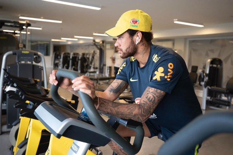 https: img-k.okeinfo.net content 2019 07 09 51 2076421 psg-izinkan-neymar-pergi-dengan-satu-syarat-i9yyA0fYY1.jpg