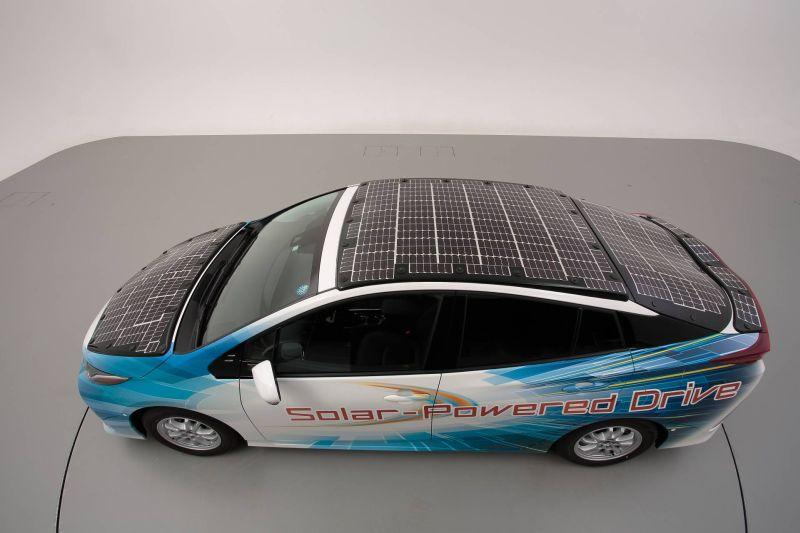 https: img-k.okeinfo.net content 2019 07 09 52 2076552 solar-panel-jadi-solusi-pengisian-mobil-listrik-ini-penjelasannya-H0ikTBI4JJ.jpg
