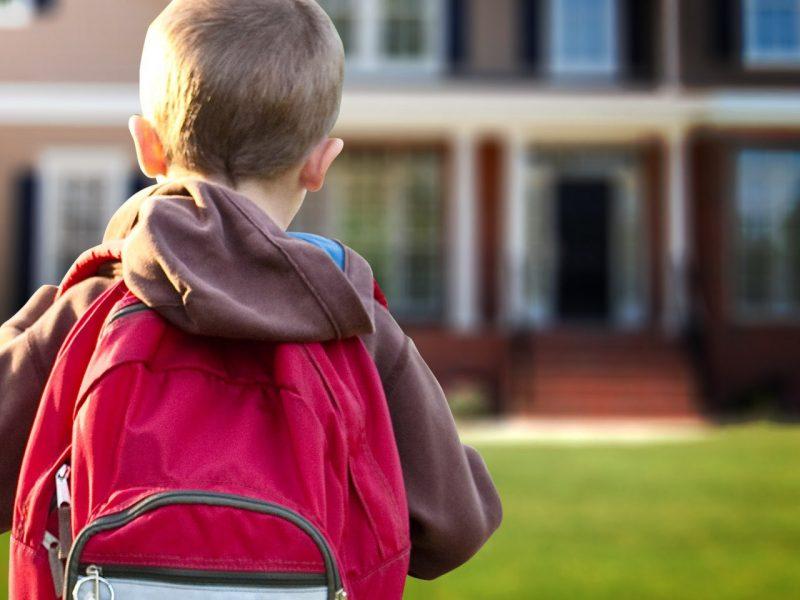 https: img-k.okeinfo.net content 2019 07 10 481 2077262 jangan-hambat-pertumbuhan-anak-ini-beban-maksimal-tas-sekolah-WFAnw3XZbw.jpg