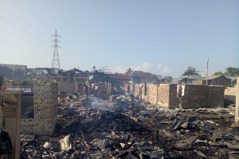 https: img-k.okeinfo.net content 2019 07 10 610 2077168 kebakaran-di-palembang-106-rumah-warga-ludes-dilalap-api-pi9GIYigPO.jpg