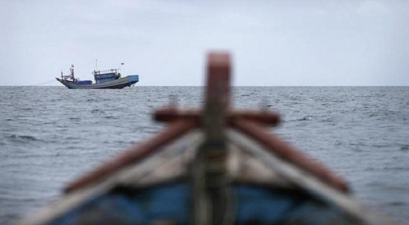 https: img-k.okeinfo.net content 2019 07 11 609 2077515 kapalnya-diserempet-tanker-tiga-nelayan-mengapung-di-laut-selama-5-jam-1qNfiBZjsh.jpg