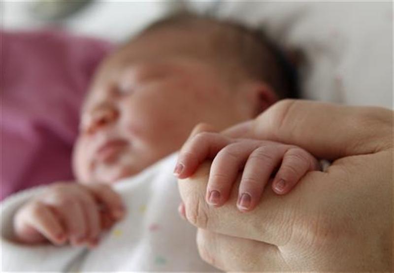 https: img-k.okeinfo.net content 2019 07 13 18 2078505 bayi-berusia-1-bulan-di-china-meninggal-setelah-diberi-minuman-keras-oleh-kakeknya-5mkB3U018J.jpg