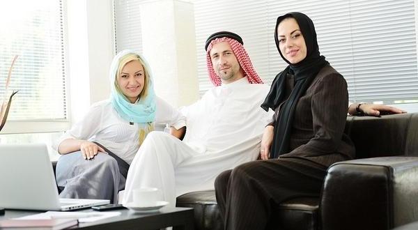 https: img-k.okeinfo.net content 2019 07 13 196 2078407 ketika-suami-ingin-poligami-pilih-cerai-atau-ikhlas-dimadu-OXK5T1xKhI.jpg