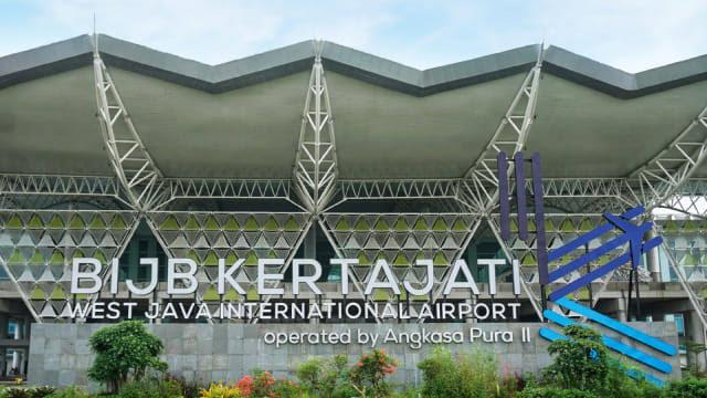 https: img-k.okeinfo.net content 2019 07 13 320 2078433 fakta-fakta-peralihan-penerbangan-bus-damri-gratis-ke-bandara-kertajati-nSI81CZbJj.jpg