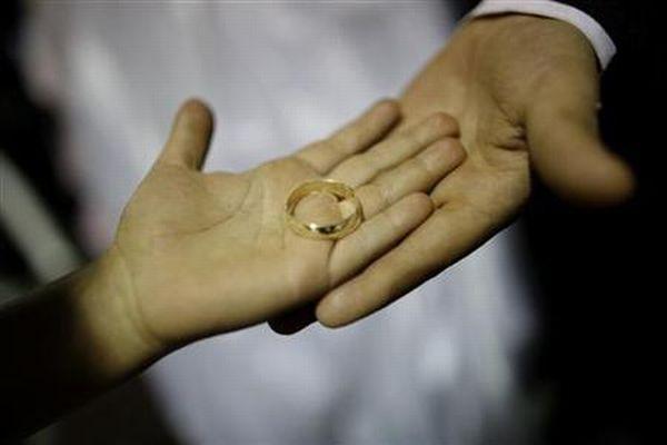 https: img-k.okeinfo.net content 2019 07 15 338 2079248 perceraian-di-jakarta-pusat-meningkat-ada-850-kasus-sepanjang-2019-t3SwwjATWr.jpg