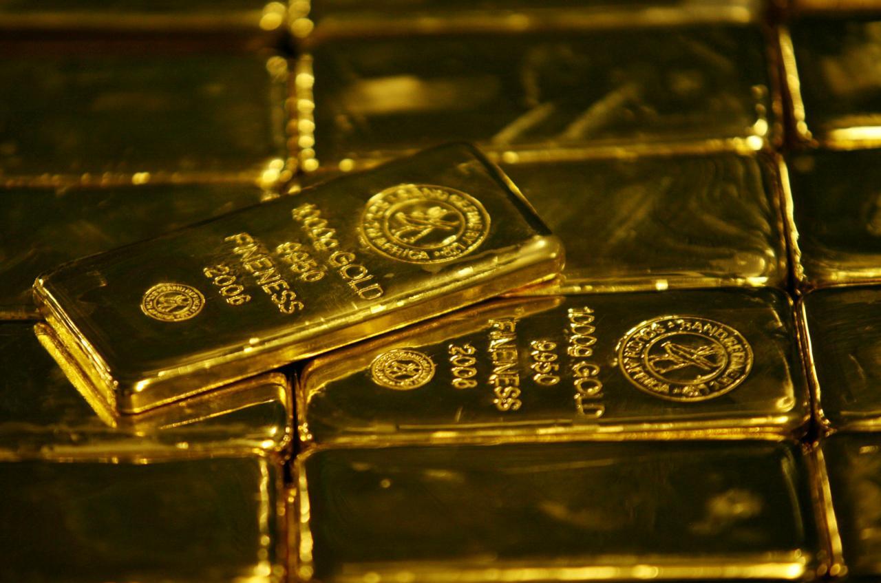 https: img-k.okeinfo.net content 2019 07 17 320 2079909 harga-emas-jatuh-tertekan-menguatnya-dolar-as-59NZ03wpiq.jpg