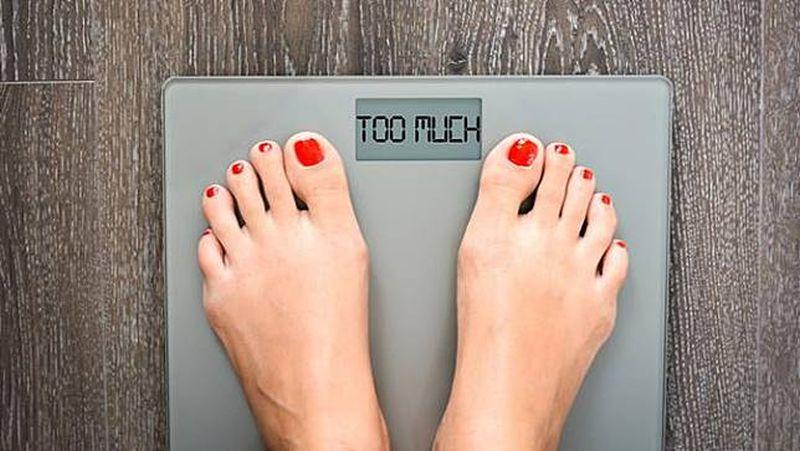 https: img-k.okeinfo.net content 2019 07 17 481 2079971 berat-badan-naik-drastis-tiba-tiba-kenali-8-penyebabnya-ccx7eAwfiT.jpg