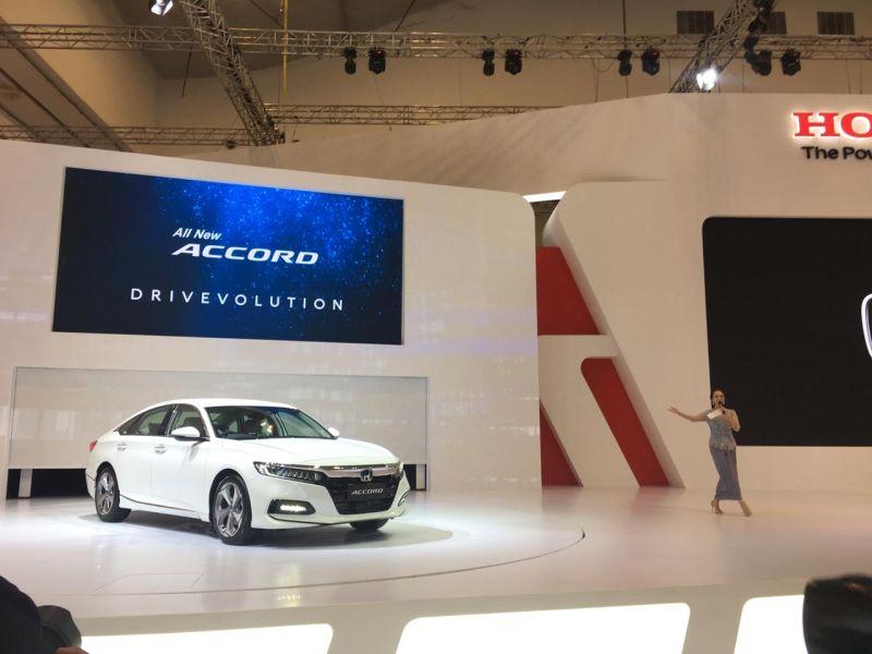 https: img-k.okeinfo.net content 2019 07 18 52 2080620 perkenalkan-generasi-ke-10-honda-accord-sedan-yang-dipakai-di-150-negara-A0sxs5i02C.jpg
