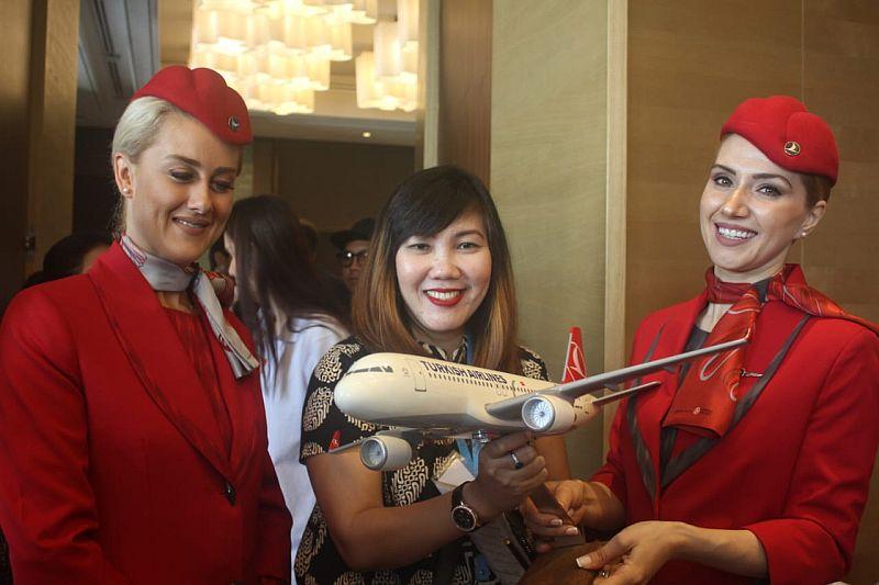 https: img-k.okeinfo.net content 2019 07 19 320 2081002 siapkan-paket-khusus-mnc-travel-dukung-rute-baru-turkish-airlines-FNwDRPrgSo.jpg
