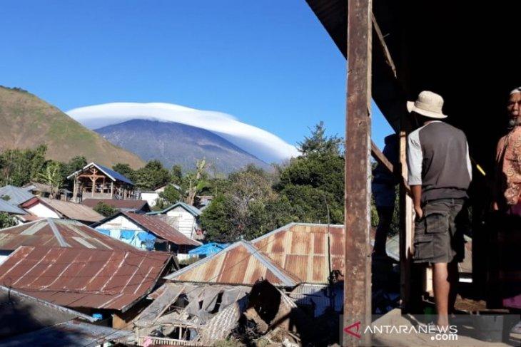 https: img-k.okeinfo.net content 2019 07 19 337 2080975 fenomena-gunung-rinjani-bertopi-awan-dikaitkan-dengan-gempa-ini-penjelasannya-HYiV44PO5F.jpg