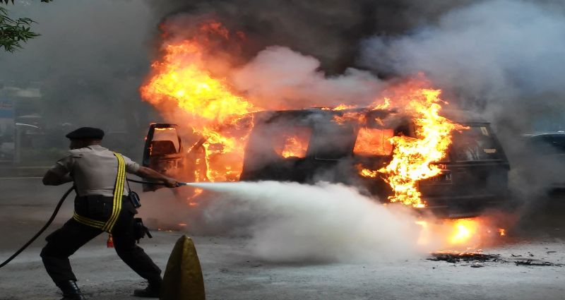 https: img-k.okeinfo.net content 2019 07 21 338 2081633 polisi-duga-pengemudi-truk-pertamina-mengantuk-sebelum-alami-laka-qPARUXakfg.jpg