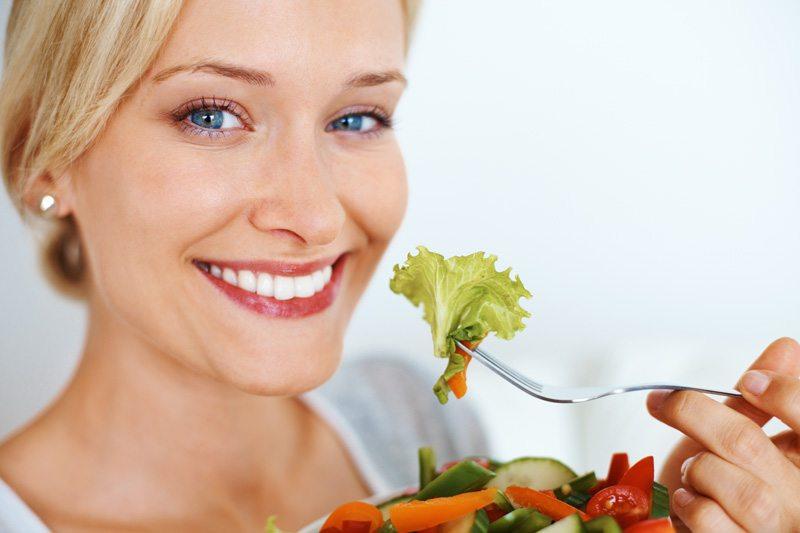 https: img-k.okeinfo.net content 2019 07 24 481 2083230 pola-makan-seperti-ini-ampuh-turunkan-risiko-diabetes-PJDd2fEgVo.jpg