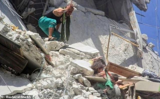 https: img-k.okeinfo.net content 2019 07 26 18 2083933 upaya-terakhir-gadis-5-tahun-selamatkan-adik-usai-rumah-terkena-bom-FepvHtwoI2.jpg