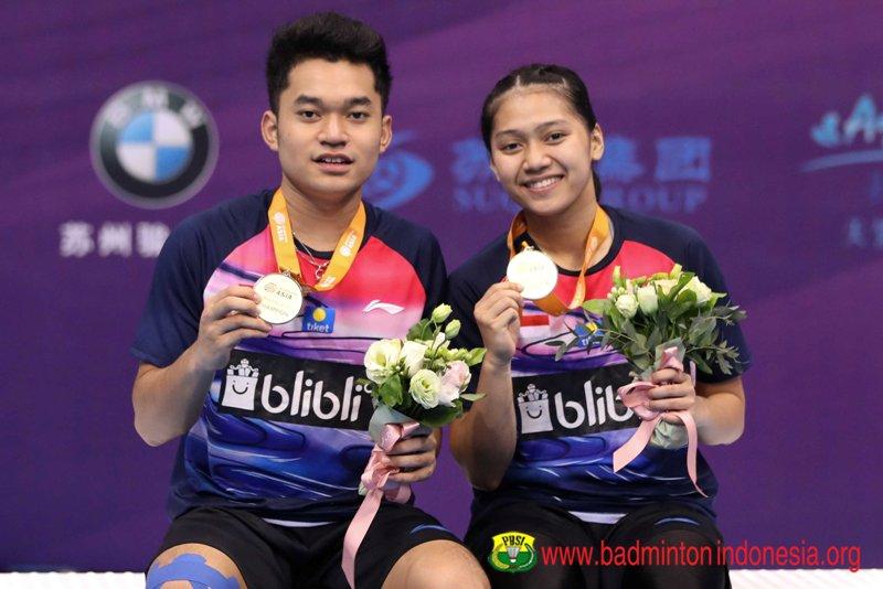 https: img-k.okeinfo.net content 2019 07 28 40 2084723 leo-indah-senang-bisa-kumandangkan-indonesia-raya-di-kejuaraan-bulu-tangkis-asia-junior-2019-LhfSZsLtlC.jpg