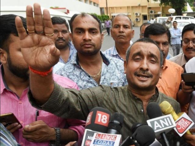 https: img-k.okeinfo.net content 2019 07 29 18 2085125 mengaku-diperkosa-politisi-india-gadis-19-tahun-kritis-usai-mobil-ditabrak-truk-Ydd29koyYd.jpg