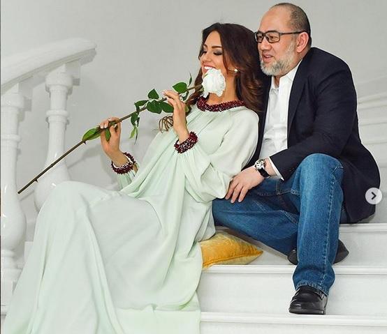 https: img-k.okeinfo.net content 2019 07 30 196 2085311 drama-baru-rumah-tangga-oksana-voevodina-curiga-bayi-itu-bukan-anak-dari-sultan-muhammad-v-jXYAatklIZ.jpg