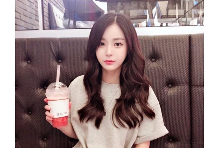 https: img-k.okeinfo.net content 2019 07 31 298 2085845 raup-rp1-4-miliar-dalam-4-bulan-gadis-korea-ini-malah-dituduh-lakukan-pencucian-uang-cG7jBhQ0Ao.jpg