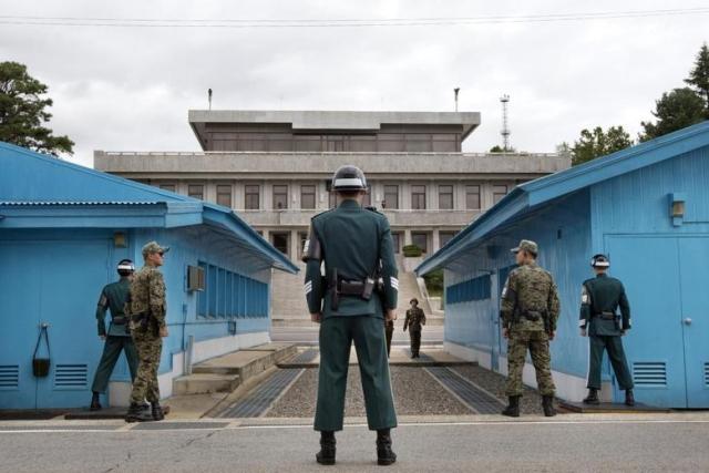 https: img-k.okeinfo.net content 2019 08 01 18 2086280 tentara-korea-utara-kabur-ke-korsel-lewat-zona-demiliterisasi-wzxwFd4tcn.jpg