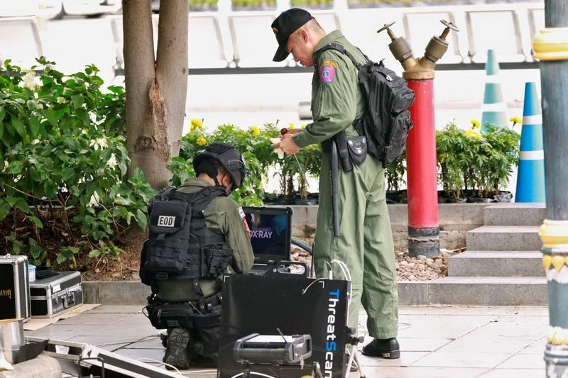 https: img-k.okeinfo.net content 2019 08 02 18 2086965 korban-luka-rangkaian-bom-bangkok-bertambah-menjadi-4-orang-ZQmV4mf5g2.jpg
