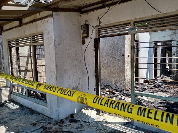 https: img-k.okeinfo.net content 2019 08 05 525 2087930 warga-lalai-nyalakan-lilin-saat-listrik-mati-3-rumah-di-indramayu-terbakar-BNMHR3USjb.jpg