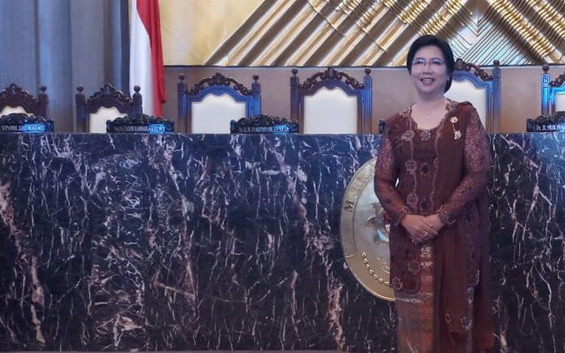 https: img-k.okeinfo.net content 2019 08 07 20 2089031 sumpah-destry-damayanti-jadi-deputi-gubernur-senior-bi-doJgAmQWyj.jpg