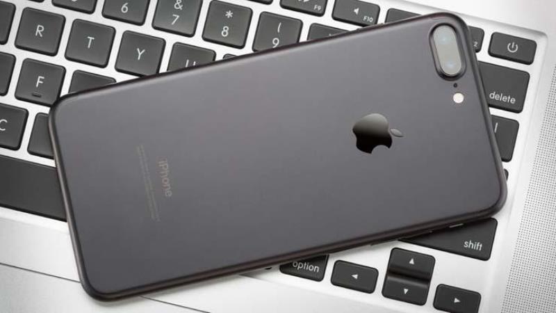 https: img-k.okeinfo.net content 2019 08 09 57 2090013 apple-sediakan-usd1-juta-untuk-penemu-kecacatan-iphone-bNyMN1wURo.jpg