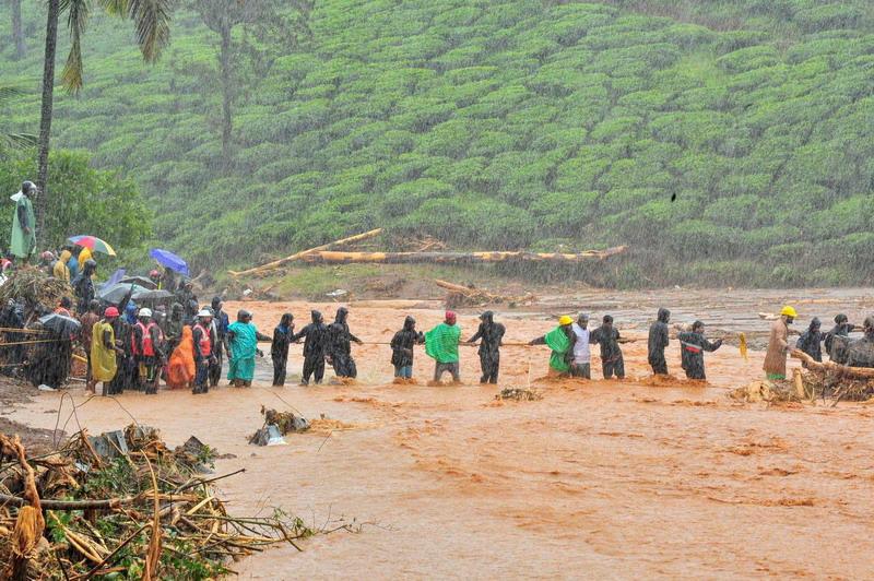 https: img-k.okeinfo.net content 2019 08 12 18 2090799 sedikitnya-147-orang-tewas-akibat-hujan-lebat-dan-banjir-di-india-ratusan-ribu-dievakuasi-QMwviocBGW.jpg
