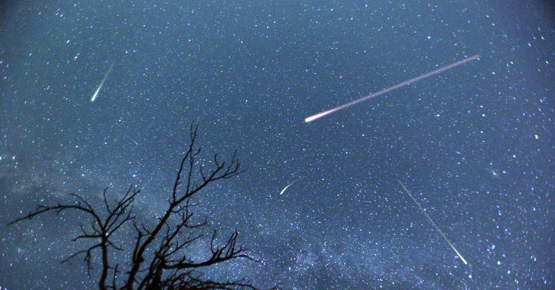 https: img-k.okeinfo.net content 2019 08 12 56 2090824 puncak-hujan-meteor-perseid-bakal-terjadi-pekan-ini-lR7HTmw8Ax.jpg