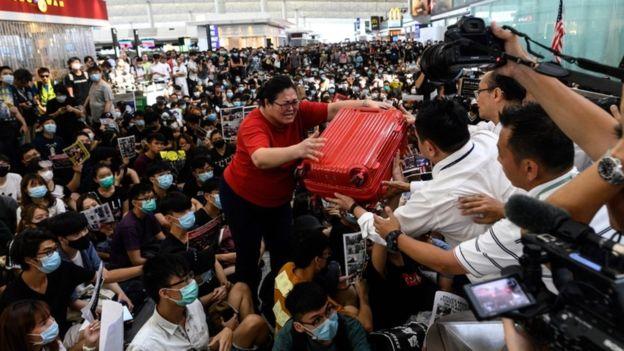 https: img-k.okeinfo.net content 2019 08 13 18 2091522 situasi-memanas-pemerintah-indonesia-umumkan-imbauan-perjalanan-ke-hong-kong-5ZSzIiw3rN.jpg