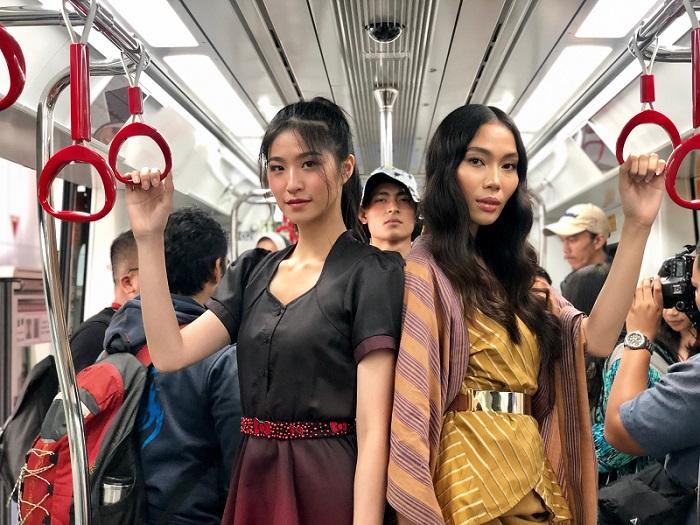 https: img-k.okeinfo.net content 2019 08 13 194 2091491 fashion-show-di-lrt-16-looks-desainer-jfff-ini-tampilkan-sisi-lain-jakarta-STJeI4BBcx.jpeg